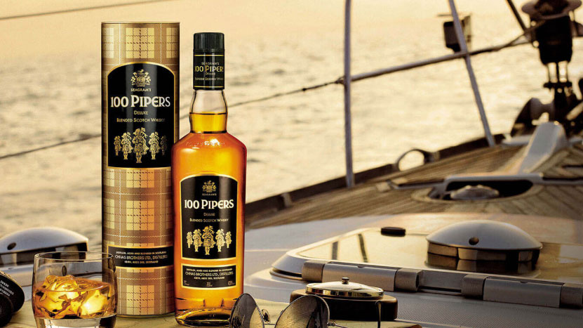 100 Pipers Deluxe Scotch Whiskey